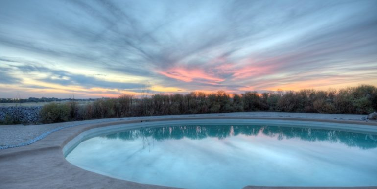 rif-lecce-masseria-murrieri-foto-tramonto-e-piscina-1