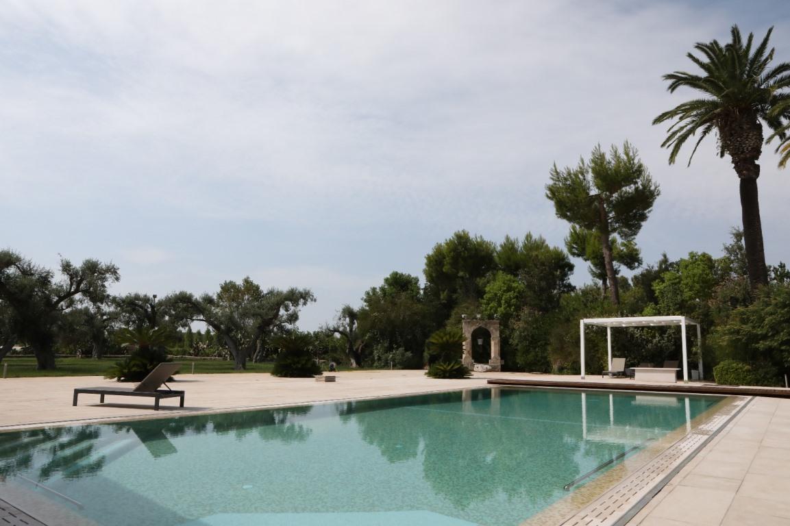 VILLA – Tenuta vitivinicola con piscina